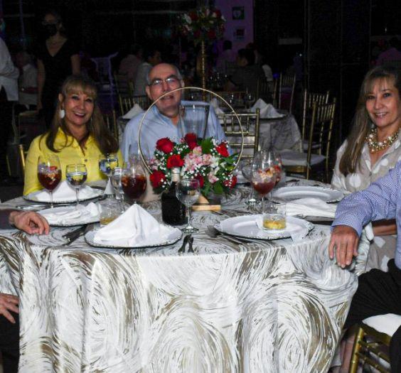 Bernando Marin, Gloria de Marin, Elizabeth de Ahumada, Fernando Ahumada, Diana de Asmar y Nicolas Asmar
